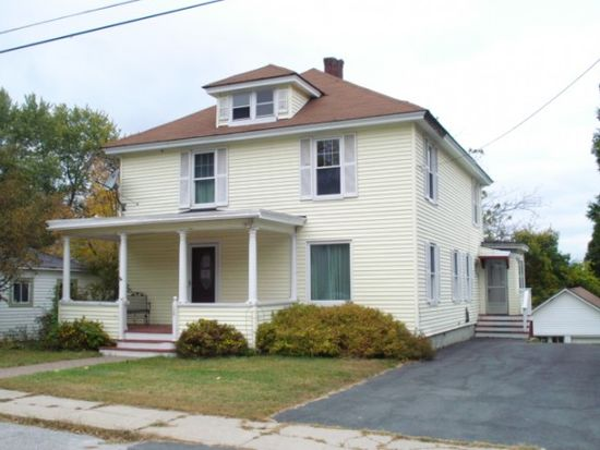18 Charles St Claremont Nh 03743 Zillow