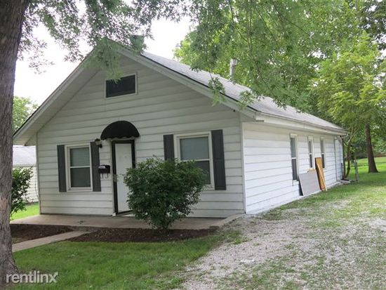 302 W Maple St Lees Summit Mo 64083 Zillow