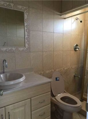 W St Pl Hialeah FL Zillow - Bathroom place hialeah