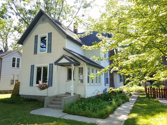 538 Rose St, Traverse City, MI 49686 | Zillow