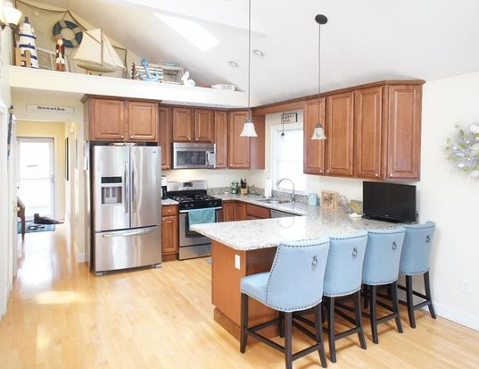52 Newton St, Quincy, MA 02169 | Zillow