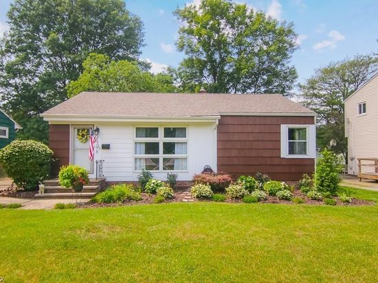 5398 Harmony Ln Willoughby Oh 44094 Mls 4061753 Zillow