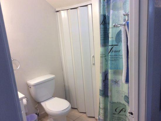SW Th Pl Miami FL Zillow - Bathroom place miami