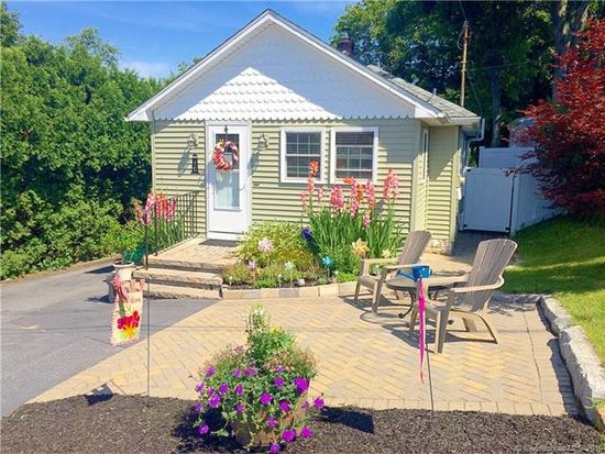 16 Norman St, Waterford, CT 06385 - Zillow