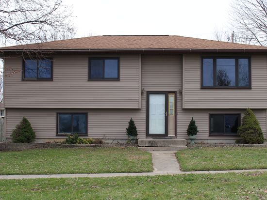 2005 Dows St Ely Ia 52227 Zillow