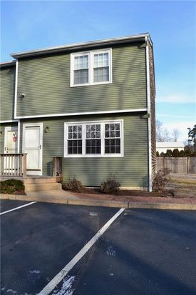 a52be2dee4e 5804 Post Rd APT 10, East Greenwich, RI 02818 | Zillow