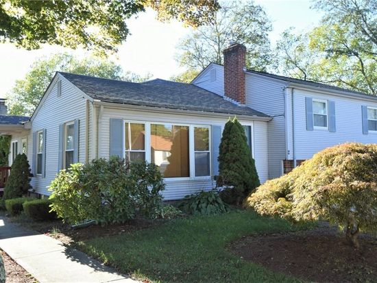 2 Grove Ave North Providence Ri 02911 Zillow