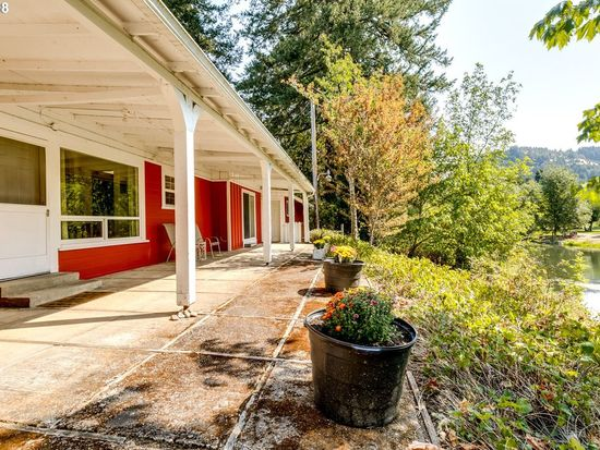 Miraculous 34036 Row River Rd Cottage Grove Or 97424 Zillow Interior Design Ideas Gentotryabchikinfo