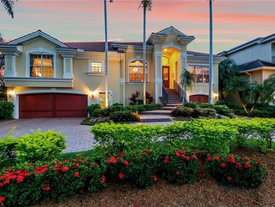 576 14th Ave S Naples Fl 34102 Zillow