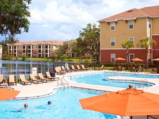 Florida Gainesville 32608 The Enclave Apartments Student Housing 1 Of 37