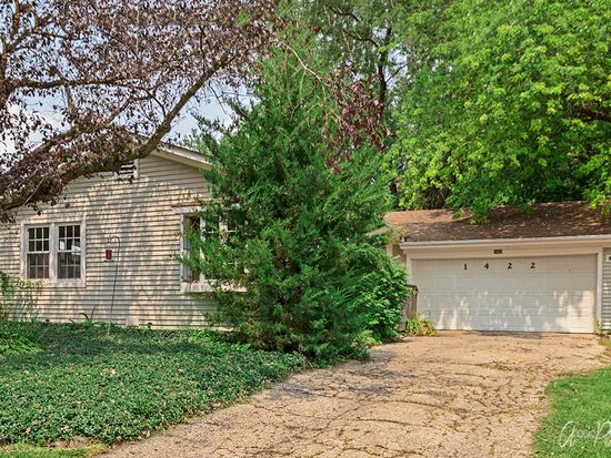 1422 Lakeview St Johnsburg Il 60051 Zillow