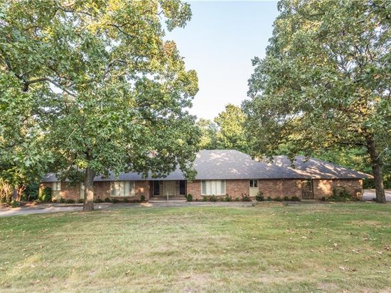 15 Berry Hill Rd, Fort Smith, AR 72903
