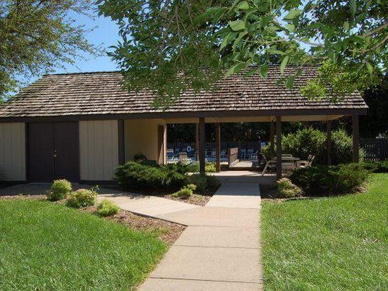 Country club on 6th apartment rentals lawrence ks zillow - 4 bedroom apartments lawrence ks ...