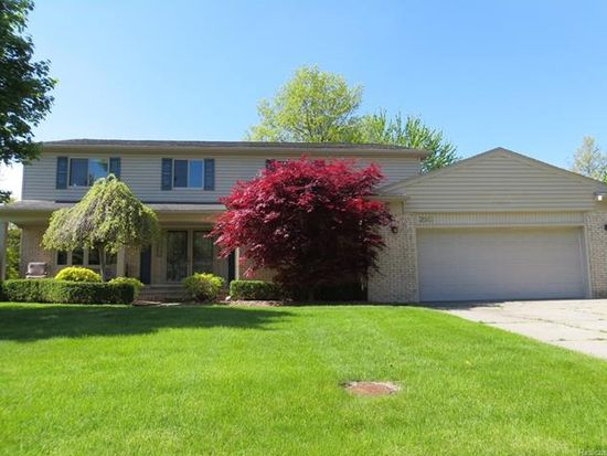 2043 Lancer Ct Troy Mi 48084 Zillow