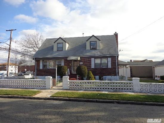 14505 222nd St Springfield Gardens Ny 11413 Zillow