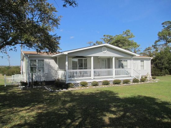 555 Bayview Dr Harkers Island NC 28531