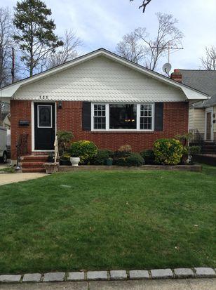 121 Windsor Pkwy, Hempstead, NY 11550 | Zillow