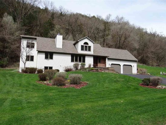 62760 Collins Ln, Prairie Du Chien, WI 53821 - Zillow