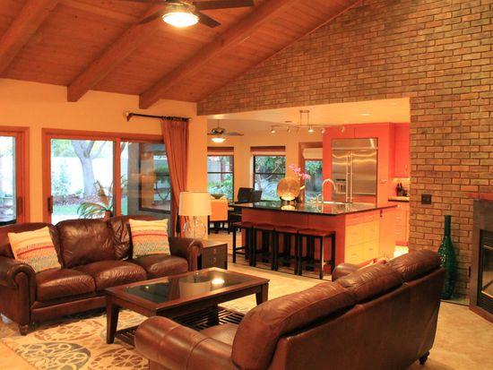 817 E Country View Cir Fresno CA 93730