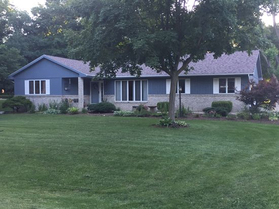 4916 Camelback Rd Heyworth Il 61745 Zillow