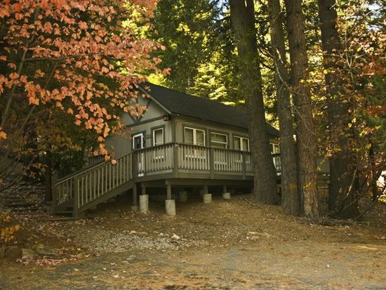 702 Cottage Grove Rd Lake Arrowhead Ca 92352 Zillow