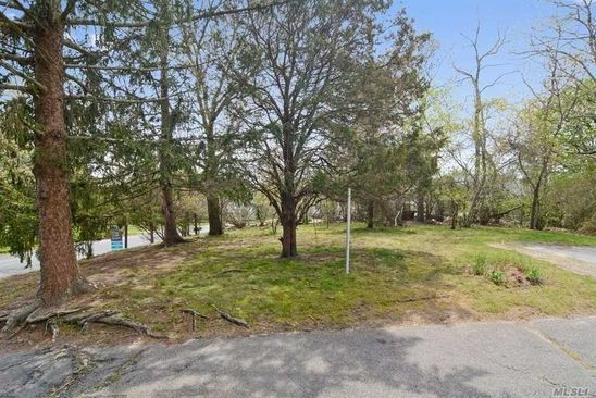 null bed null bath Vacant Land at 205 SUMMIT DR SOUTHOLD, NY, 11971 is for sale at 160k - google static map