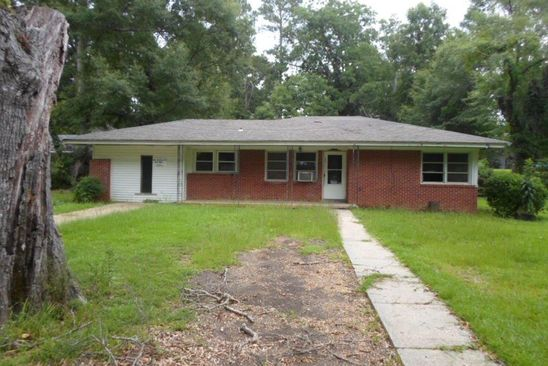 3 bed 1 bath Single Family at 805 Hickory St Summit, MS, 39666 is for sale at 26k - google static map