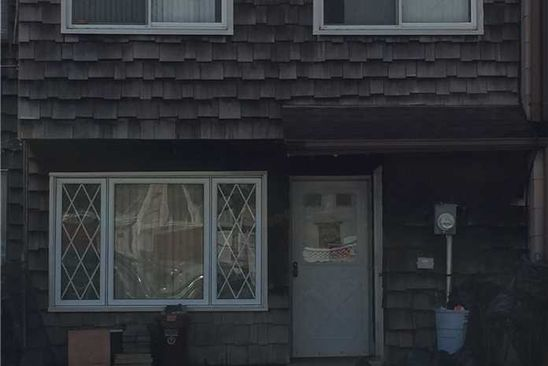 3 bed 1.5 bath Single Family at Undisclosed Address STATEN ISLAND, NY, 10303 is for sale at 150k - google static map