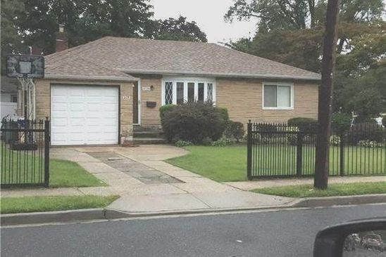 3 bed 2 bath Single Family at 2129 BAYLIS AVE ELMONT, NY, 11003 is for sale at 449k - google static map