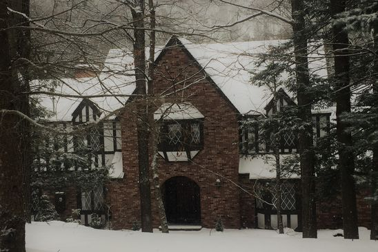 5 bed 6 bath Single Family at 4827 BRIARWOOD LN MANLIUS, NY, 13104 is for sale at 620k - google static map