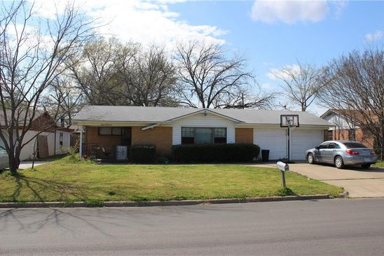 3 bed 2 bath Single Family at 1225 Norwood Dr Hurst, TX, 76053 is for sale at 185k - google static map