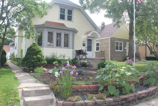 4 bed 3 bath Single Family at 923 W MORGAN AVE MILWAUKEE, WI, 53221 is for sale at 230k - google static map