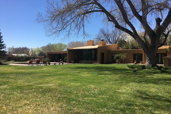 4 bed 3 bath Single Family at 900 El Alhambra Cir NW Los Ranchos, NM, 87107 is for sale at 650k - google static map