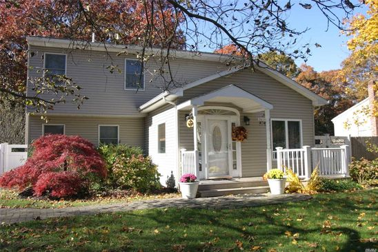 4 bed 3 bath Single Family at 150 Smithtown Polk Blvd Centereach, NY, 11720 is for sale at 449k - google static map