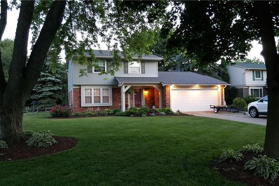 4 bed 2 bath Single Family at 5439 PHEASANT RUN RD CLARKSTON, MI, 48346 is for sale at 240k - google static map