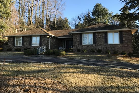4 bed 4 bath Single Family at 27 Fordham Rd Livingston, NJ, 07039 is for sale at 999k - google static map
