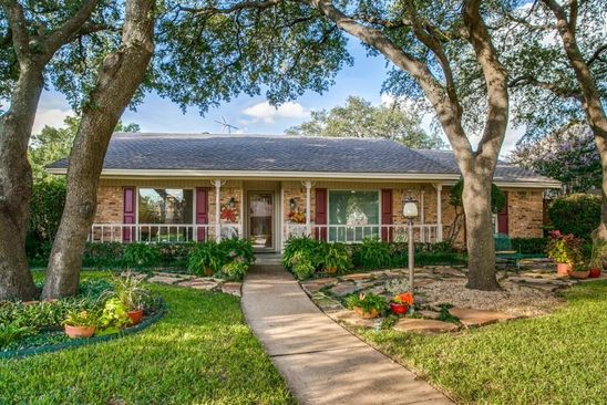 3 bed 2 bath Single Family at 1911 COLUMBIA DR RICHARDSON, TX, 75081 is for sale at 295k - google static map