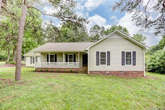 3 bed 2 bath Single Family at 5501 Foxcrest Dr Mint Hill, NC, 28227 is for sale at 270k - google static map