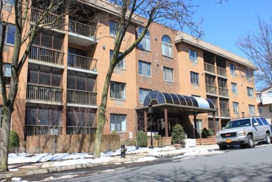 2 bed 2 bath Condo at 40 Wellington Court 4a Staten Island, NY, 10314 is for sale at 375k - google static map
