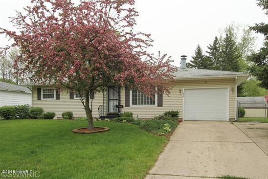 3 bed 2 bath Single Family at 938 WASHINGTON AVE N BATTLE CREEK, MI, 49037 is for sale at 75k - google static map