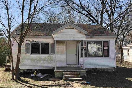 2 bed 1 bath Single Family at 211 SPRUCE ST JONESBORO, AR, 72401 is for sale at 30k - google static map