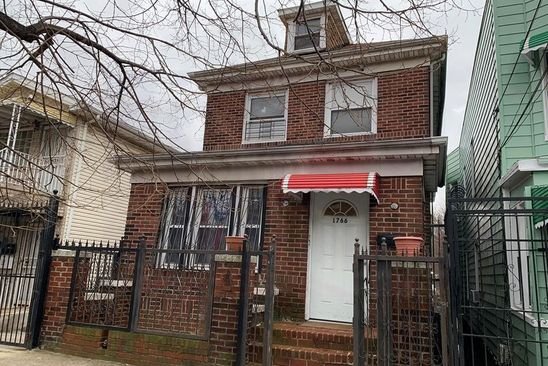 6 bed 3 bath Single Family at 1766 GLEASON AVE BRONX, NY, 10472 is for sale at 725k - google static map