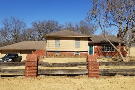 3 bed 3 bath Single Family at 1806 E 125TH ST KANSAS CITY, MO, 64146 is for sale at 170k - google static map