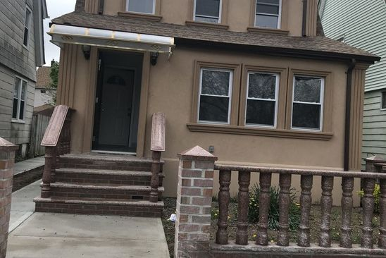 4 bed 3 bath Single Family at 10970 204th St Saint Albans, NY, 11412 is for sale at 599k - google static map