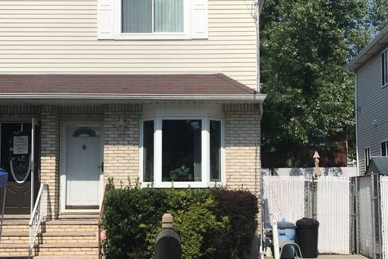 3 bed 1.5 bath Single Family at 27 WATSON AVE STATEN ISLAND, NY, 10314 is for sale at 525k - google static map