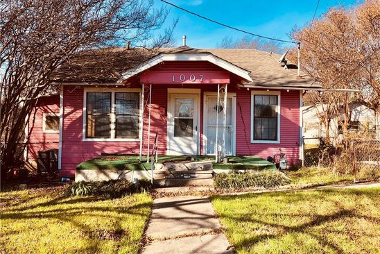 3 bed 2 bath Single Family at 1007 S CLINTON AVE DALLAS, TX, 75208 is for sale at 129k - google static map