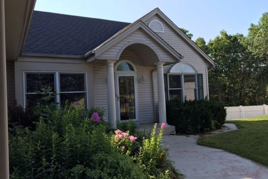5 bed 3 bath Single Family at 4330 S 38TH ST GREENFIELD, WI, 53221 is for sale at 350k - google static map