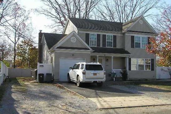 4 bed 2 bath Single Family at Undisclosed Address Copiague, NY, 11726 is for sale at 150k - google static map