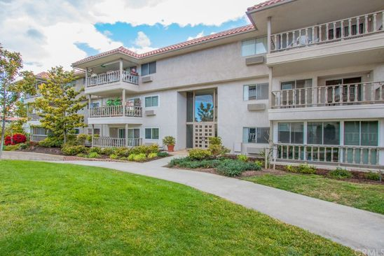 2 bed 2 bath Condo at 2400 Via Mariposa W Laguna Woods, CA, 92637 is for sale at 250k - google static map