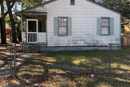 2 bed 1 bath Single Family at 2720 W SURREY DR NORTH CHARLESTON, SC, 29405 is for sale at 25k - google static map